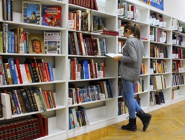 Ausbildung Schule Bibliothek