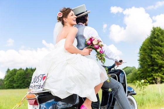 Fotolia_brautpaar-hochzeit-motorrad