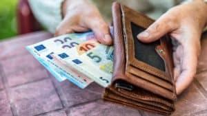 Geld Brieftasche Einkommen