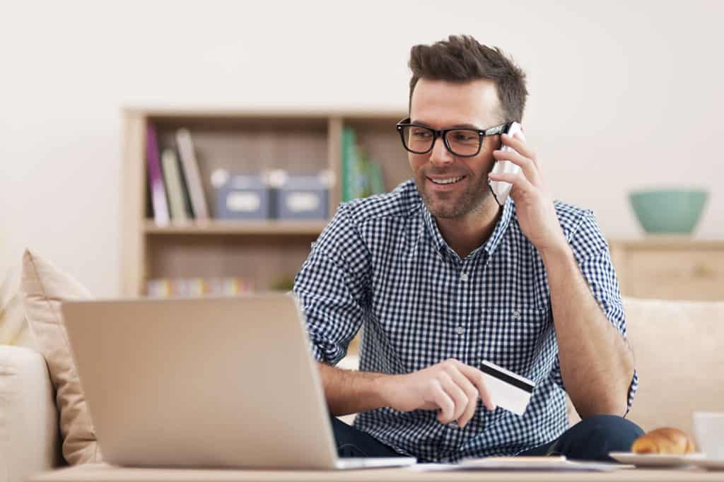Wer bei OTTO auf Raten zahlen möchte, kann das online oder am Telefon beantragen.